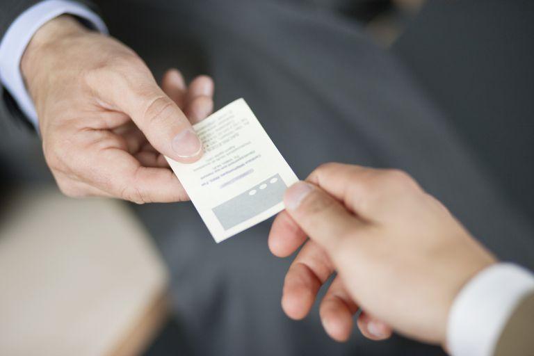 کارت ویزیت کارت ویزیت خاص محتوای کارت ویزیت اصول طراحی کارت ویزیت وارنیو varnio طراحی کارت ویزیت محتوا گذاری مناسب برای کارت ویزیت what to include on career networking business card